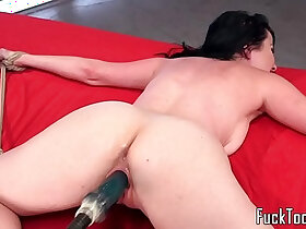 babe porn - Inked babe restrained for pussy toying