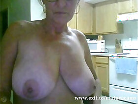 amateur porn - Solo of sex addicted Granny from Australia