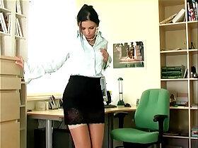 masturbation porn - Sexy secretary masturbates in sheer stockings