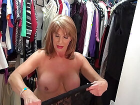 lady porn - Sexyest mature lady Rae Hart touch pussy in wardrobe