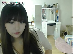 cams porn - Pretty girl recording on camera