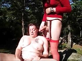 amateur porn - Old slut having fun with strangers outdoor