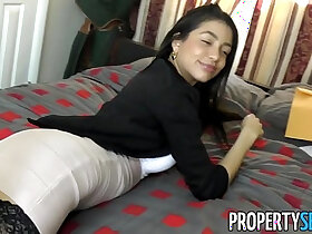 agent porn - PropertySex Squirting real estate agent cheers up her client with amazing sex