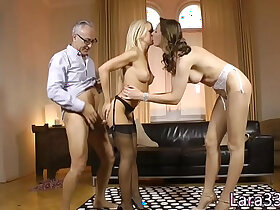 latex porn - Stockinged UK milf fucked standing up in trio