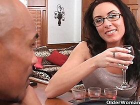 cum porn - Soccer mom Katrina Isis gets cum shower