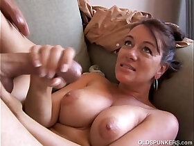 cum porn - Kinky old spunker loves it when you cum in her mouth