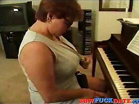anal porn - Slutty fat woman gets anal banged