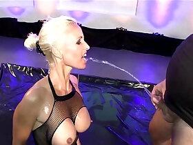 bukkake porn - Super Busty Mom is a human toilet