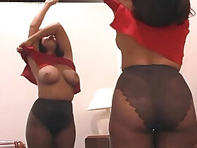 bald pussy porn - Hot mom fingering pussy in sheer pantyhose