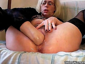 fisting porn - Perverted grannies pushing their fist inside