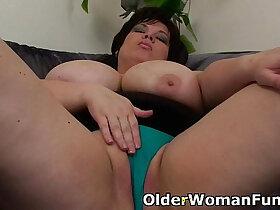bbw porn - BBW mom having solo sex with dildo