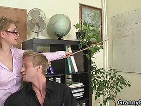 boss porn - Mature office boss forces him fuck her hard