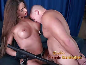 girl porn - Girl in police uniform regulating a guy by making him lick her pussy