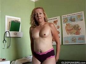amateur porn - Mature amateur in a doctors office